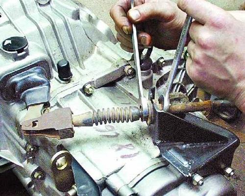 Тросик сцепления ВАЗ 2110 замена