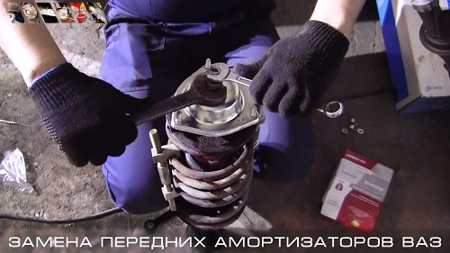 Замена передних стоек ВАЗ 2110