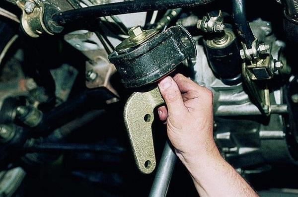 Опоры двигателя ВАЗ 2110
