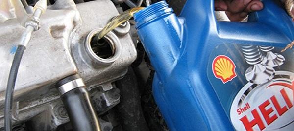 Замена масла в двигателе Лада Гранта1