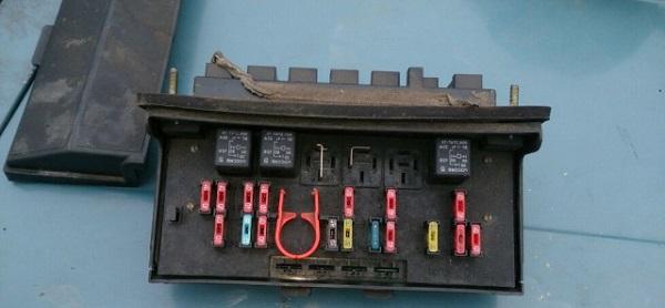 Монтажный блок ВАЗ 2107
